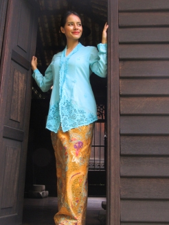 Blue Kebaya Full Length with Sarong