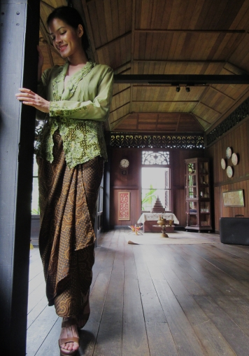 Green Kebaya Full Length